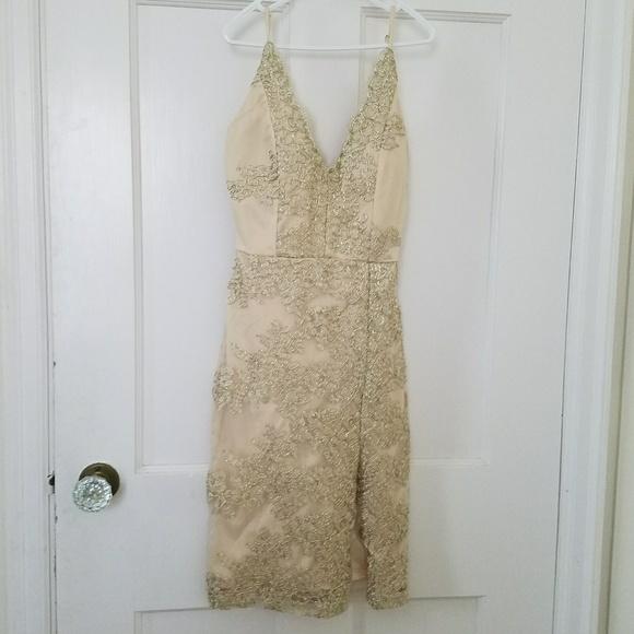 2a36a12c7ded Gold lace bodycon dress. M 5a84795e8af1c5a6f8b8c4ad